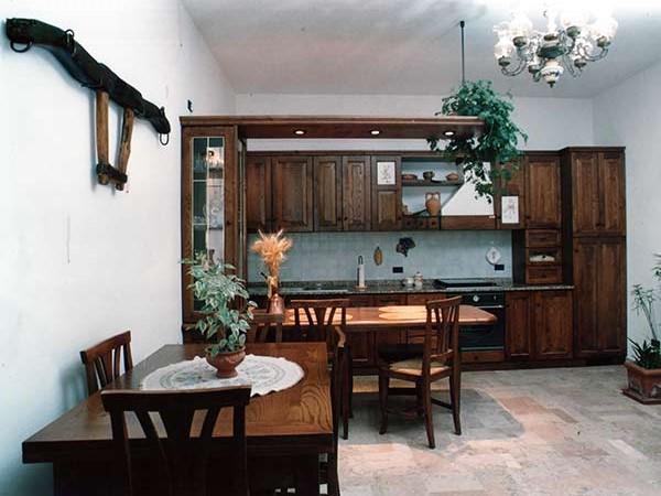 Produzione-artigianale-mobili-Forli